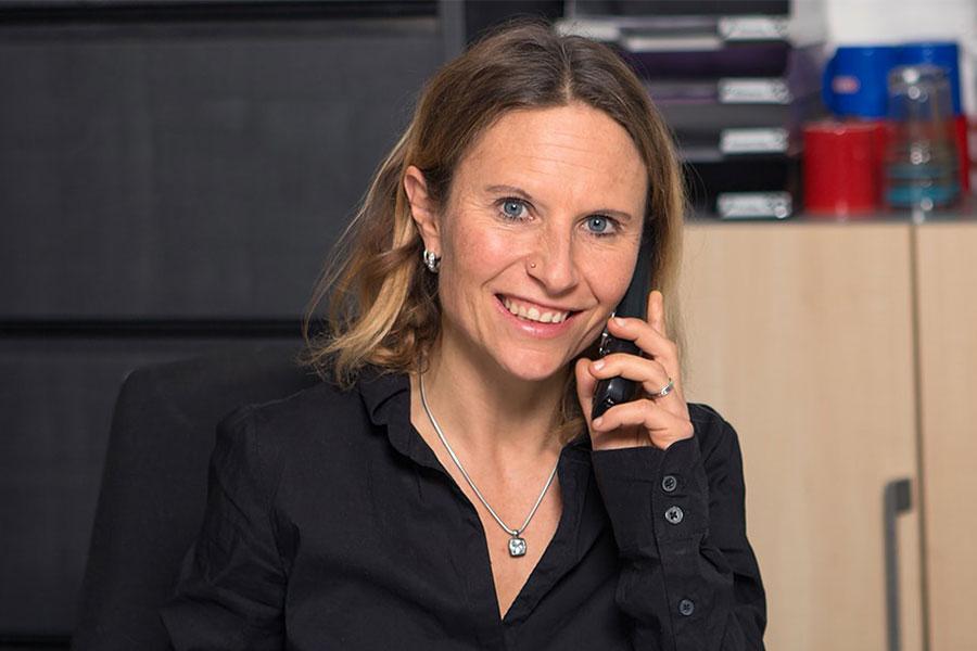 Ansprechpartnerin Sabine Meininger von Ringler Metall