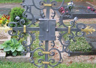 Grabkreuz von Ringler Metallbau in Ansbach