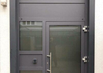 Sichere Haustüre aus Metall