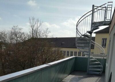 Wendeltreppe im Außenbereich von Ringler Metallbau